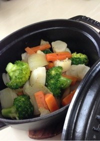 ストウブの鍋で作る温野菜のマリネ