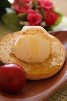 オリーブオイルのアイスクリームトースト