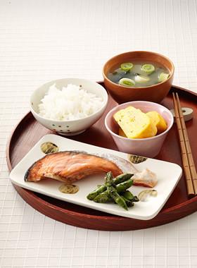 鮭の塩焼き朝定食