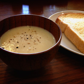手軽にじゃがいものポタージュスープ