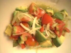 アボカドとトマトのサラダ アジアン風