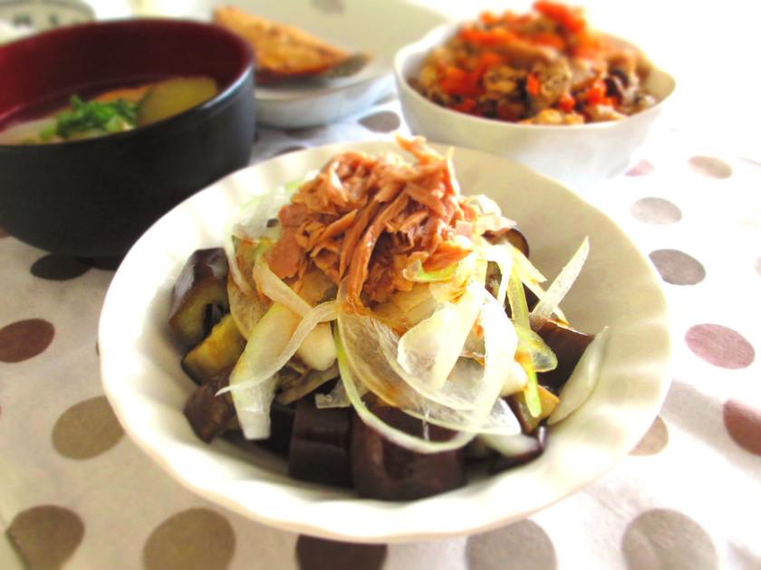 夏はヘビロテ!茄子と玉葱ツナぽん酢サラダ