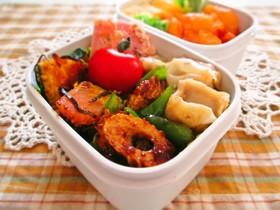 お弁当♪竹輪とピーマンのお好みソース炒め