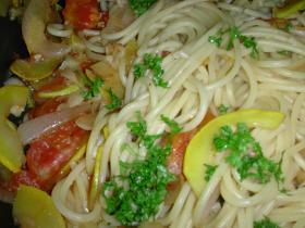 夏野菜と完熟トマトのスパゲティ