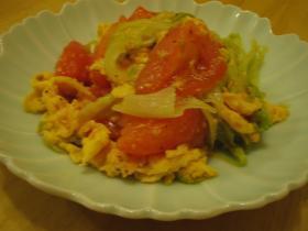 レタスとトマトの卵炒め