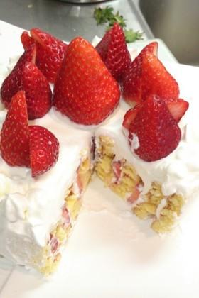 型不要☆簡単ぐるぐるいちごショートケーキ