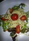 グリーンのパスタサラダ、アボカドソース