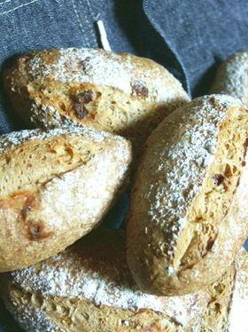天然酵母・黒胡椒のライ麦パン