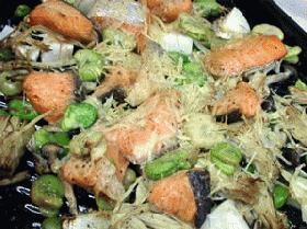 鮭とそら豆のオーブン焼き