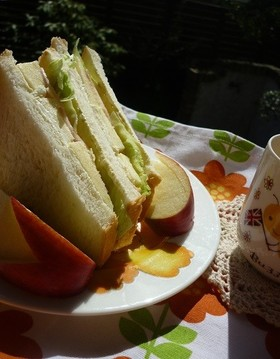 りんごとクリームチーズのサンドイッチ☆