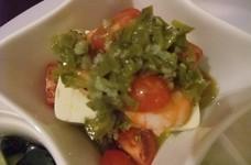 エビ&豆腐&トマトのにんにく風味サラダ♪