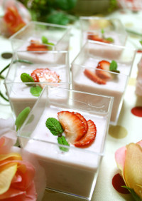 トロプル✿苺とココナッツミルクのババロア