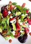 苺バルサミコドレッシングのサラダ