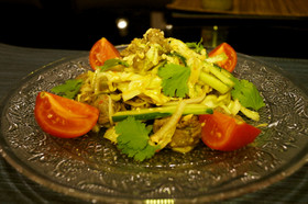 パクチーと牛肉のタイ風サラダ