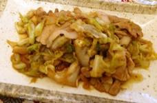 たっぷり春キャベツと豚の生姜焼き
