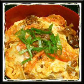キム玉丼⇒『焼き鳥の缶詰』でキムチ親子丼