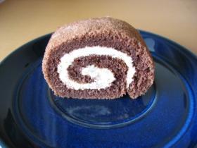 とろけるスフレショコラロールケーキ