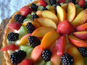 果物いっぱいのタルト