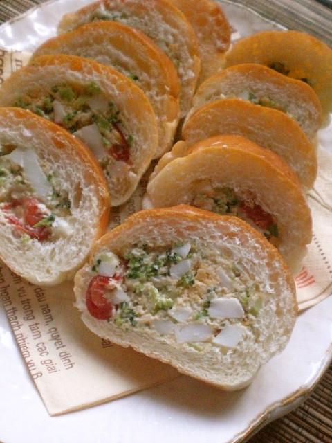 詰めるサンドイッチ
