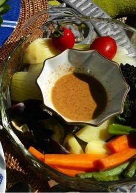 レンジで簡単、蒸し野菜 ゴマソース