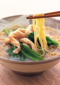 鶏胸肉と小松菜の汁そば