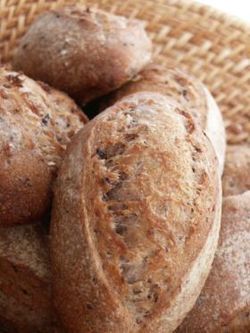 天然酵母・黒米雑穀パン