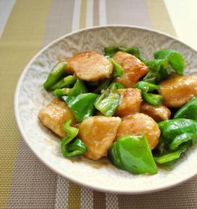 鶏むね肉と旬の甘いピーマンの生姜醤油炒め