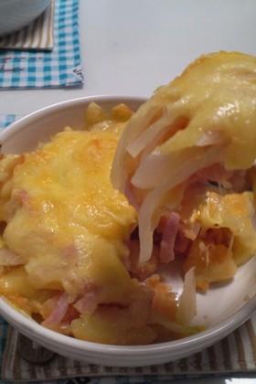 ジャガイモと玉ねぎベーコンのチーズ焼き