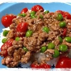 グリンピースとミニトマトの春色丼♪