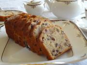 ラムレーズンと胡桃のパウンドケーキの写真