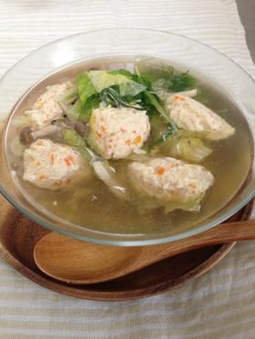 ふわふわ鶏団子と冷蔵庫野菜で食べるスープ