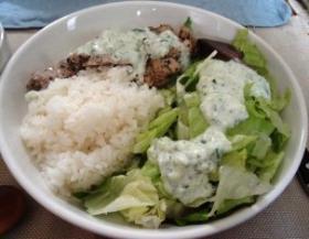 ギリシャ料理のスプラギ風グリル