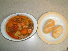 牛肉と豆と野菜のトマトシチュー