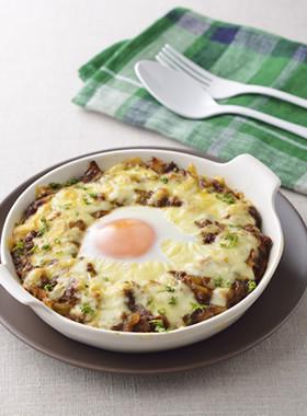 卵とチーズとろけるデミキーマカレードリア