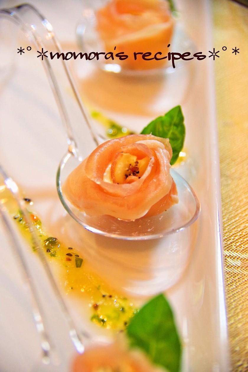 花おつまみ♡生ハムとクリチの薔薇♬簡単
