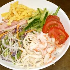 野菜たっぷり冷麺