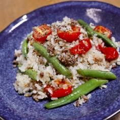 挽き肉とプチトマトのチャーハン