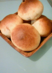 少しのイーストで丸パン