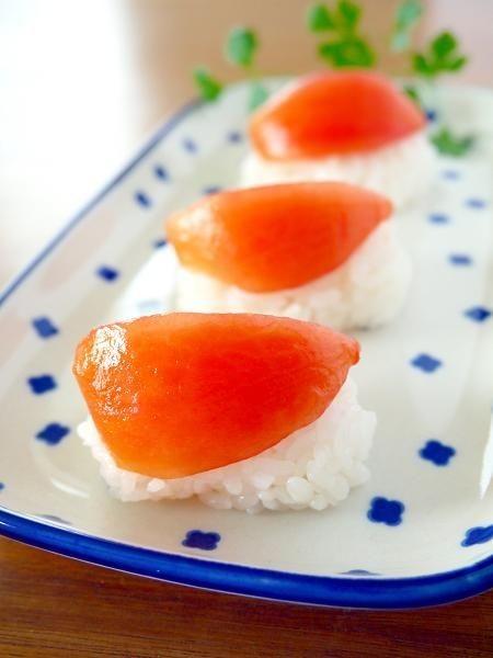 まるで鮪(マグロ)なトマトの握り寿司