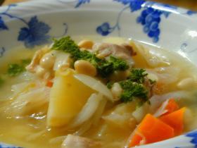 具だくさん・生姜風味のスープ