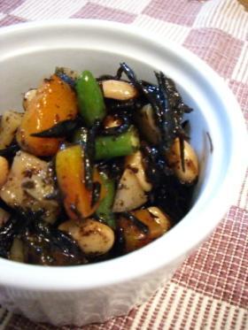 大豆と根菜のひじき煮