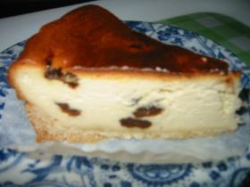 簡単!ラムレーズン香る大人のベイクドチーズケーキ