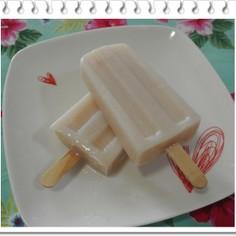 桃のミルクアイス