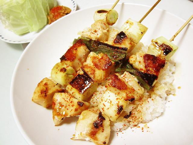 簡単健康♪フライパンで作る胸肉焼き鳥丼