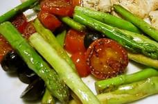 アスパラとトマトのイタリアンソテー
