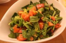 アボカドとトマトとほうれん草のサラダ
