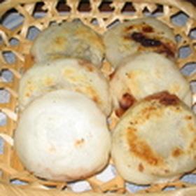(写真有)熱々で! 梅ヶ枝餅風 焼き大福餅