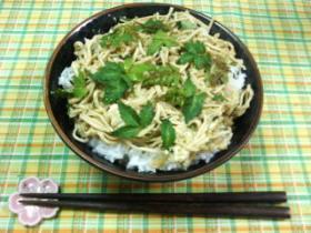 細切り豆腐の玉子とじ丼