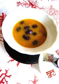 優しい甘さ⌘かぼちゃとお豆の食べるスープ
