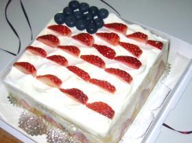 フルーツたっぷり!トライフルケーキ